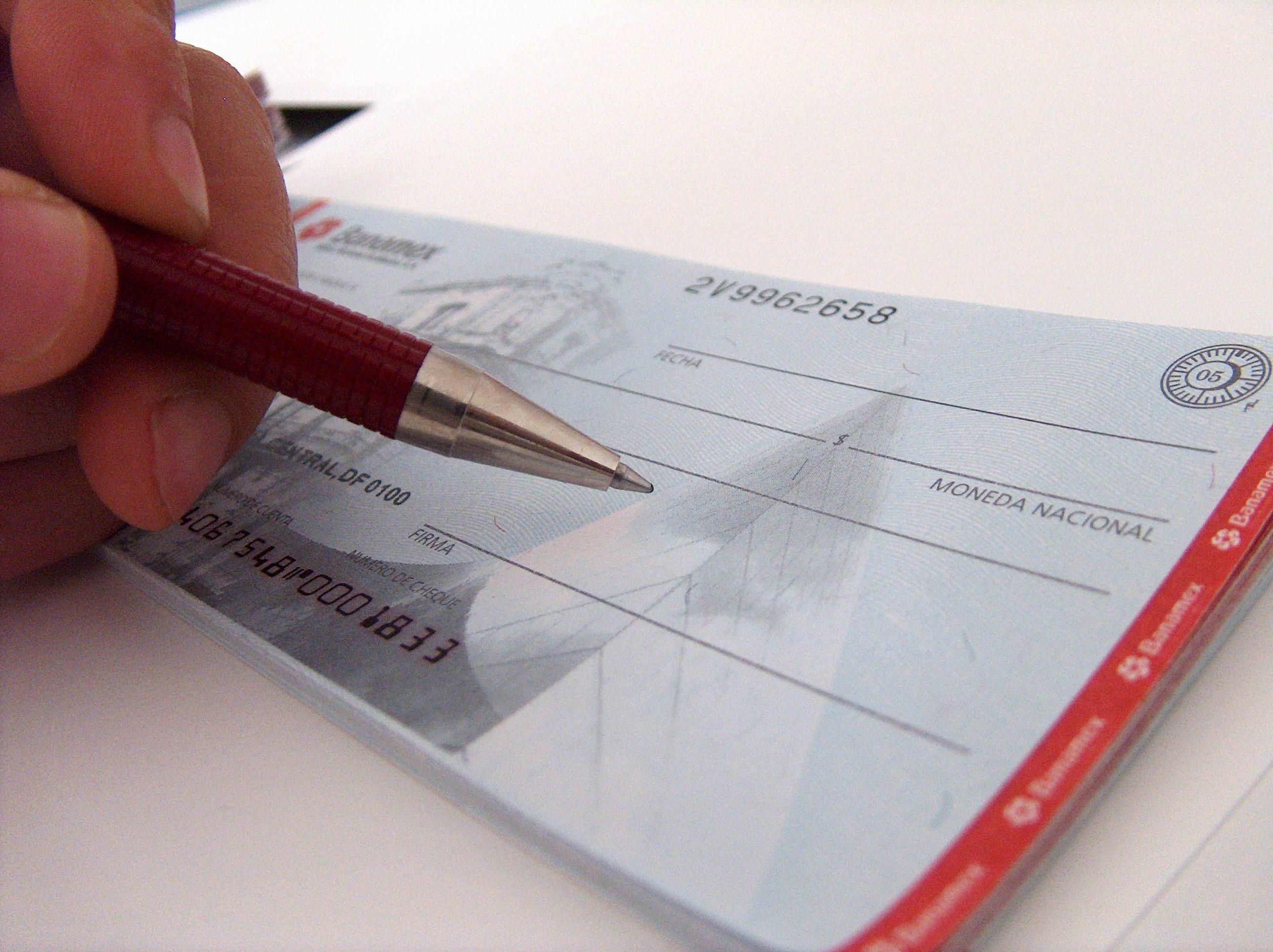 Giro-doloso-de-cheques.jpg