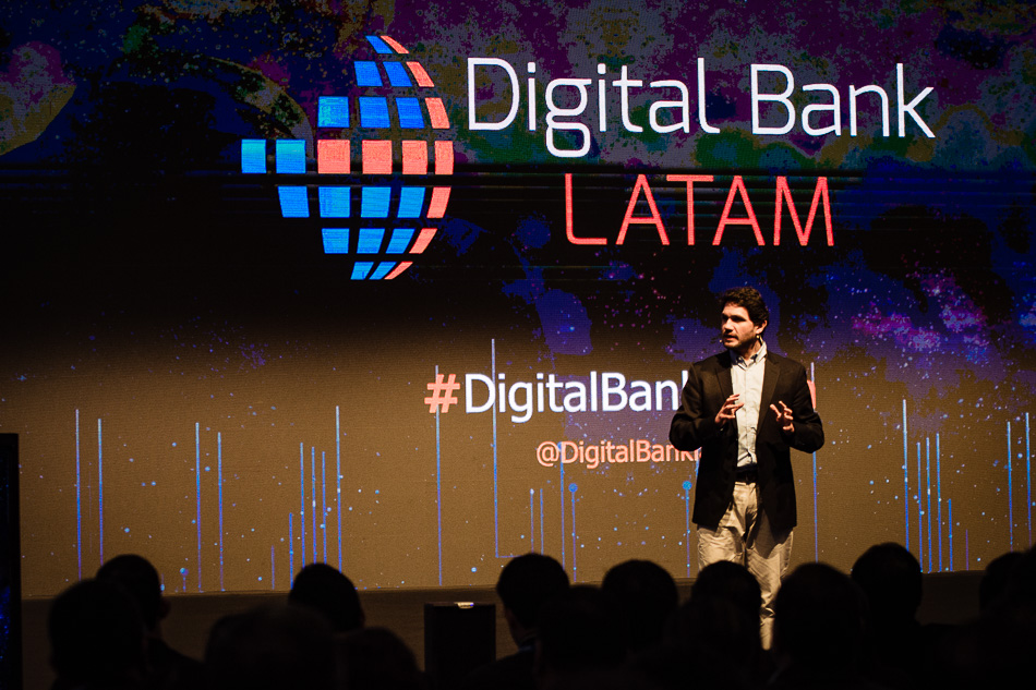 Digital-Bank-Lima-2019-©-Fotógrafo-Anthony-Mujica-9.jpg