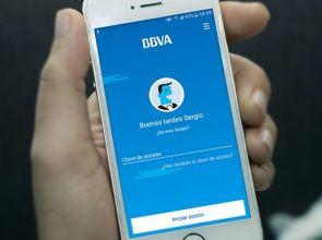 """Alianza de gigantes: BBVA se une a Google para ofrecer """"cuentas digitales"""""""