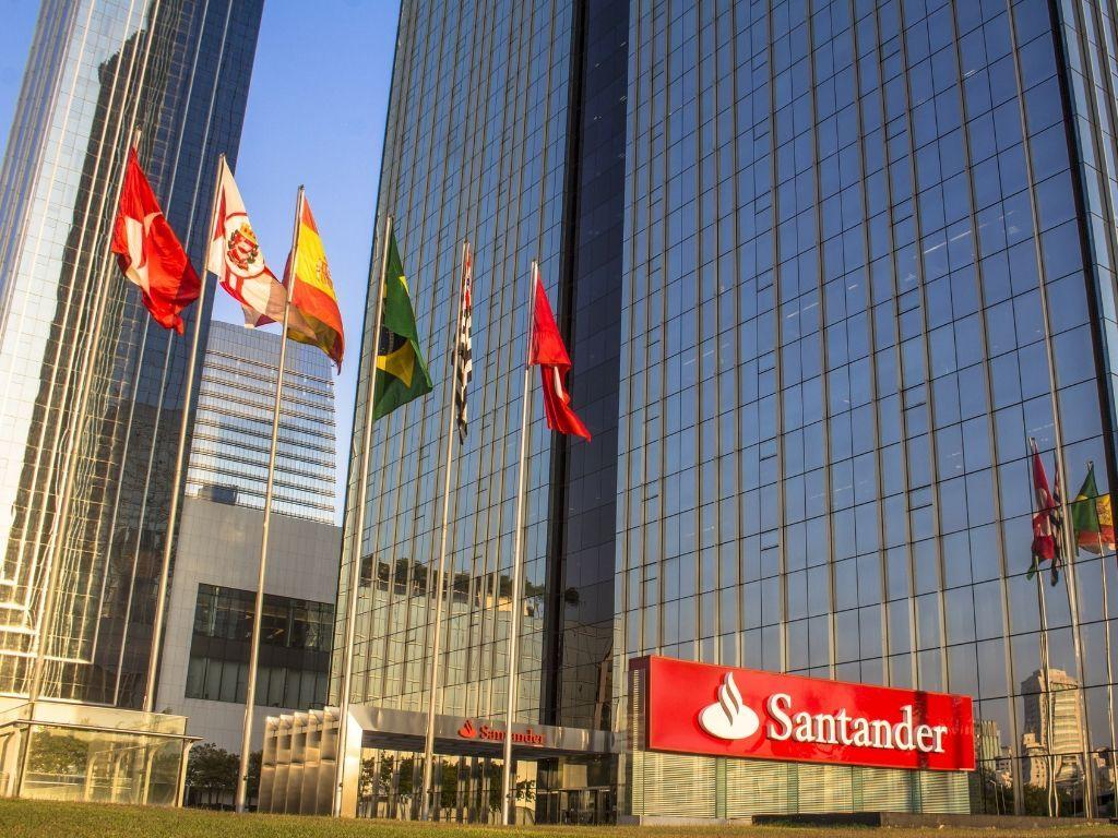 Digital-customers-Brazil-Santander-Brasil.jpg