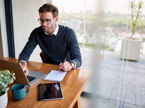 """""""Hot desking"""" o mesas calientes: la nueva tendencia en la vuelta a las oficinas"""