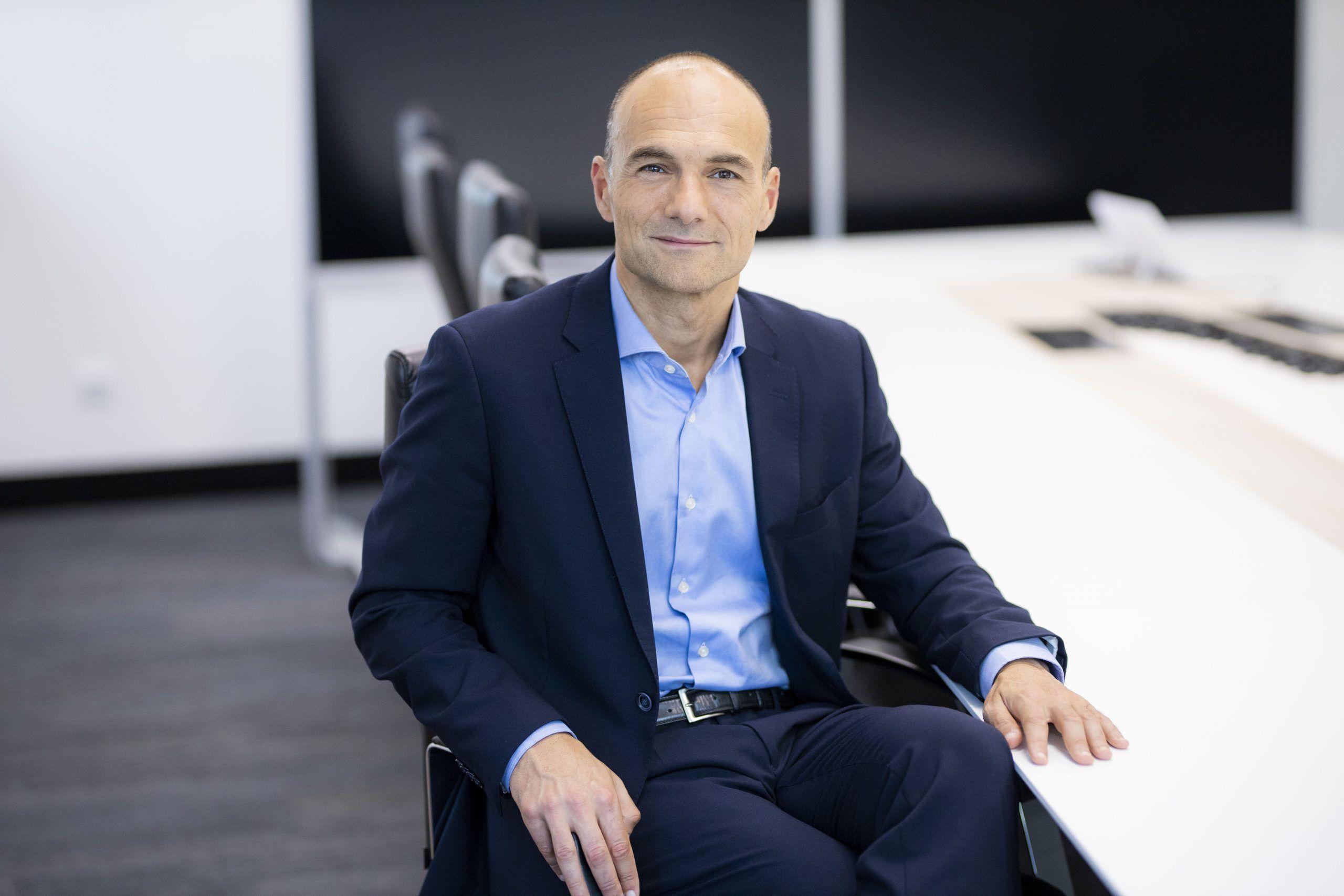 Miguel-Teixeira-CEO-de-everis-Chile-scaled.jpg